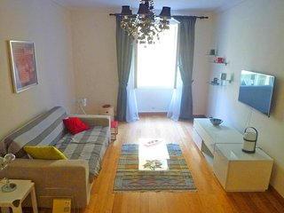 Cozy apartment very close to the centre of Nice with Internet, Washing machine,