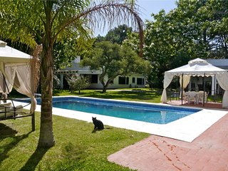 Beautiful large villa up to 12 guests near beach at entrance of Punta del Este