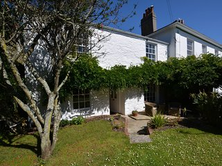 60658 Cottage situated in Falmouth