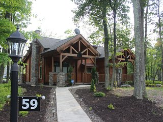 Gorgeous Log Home at Eagle Rock Resort