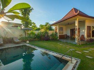 2 Tranquility Private Villas near Balangan Beach with breakfast