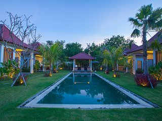 #B4 Paradise Triple-bed Deluxe Bungalow near Balangan beach with breakfast