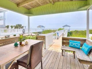 Updated 5BR + Bonus Room on the Beach - Private Boardwalk & Fenced Yard