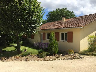 La Petite Maison au Coin. Magic in the heart of SW France. Close to bathing/golf