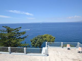 4 bedroom Villa in Sant'Agnello, Campania, Italy : ref 5228641