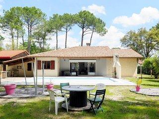4 bedroom Villa in Vieux-Boucau-les-Bains, Nouvelle-Aquitaine, France : ref 5646