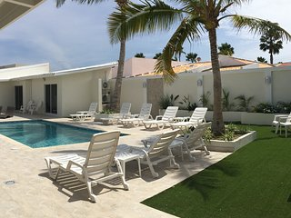 Paradise King Suite at Palm Beach Aruba 5