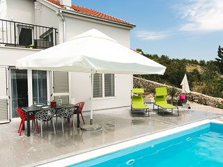 DOLCE VITA, HOUSE WITH PRIVATE SWIMMING POOL
