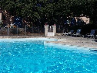 Gîte de charme dans maison avec piscine