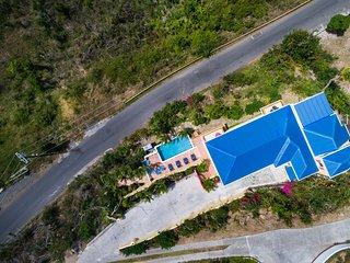 Harbour Heights - Beautiful 4 Bed Home - Sleeps 8 - Stunning Views - Pool