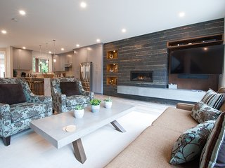 Whistler Family Retreat: Perfect For Your Getaway *PRIVATE HOT TUB, BBQ, PATIO*