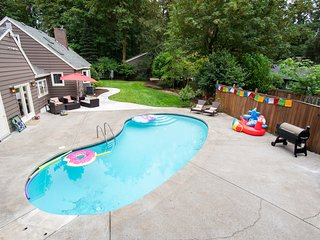 Spacious ¾ Acre Home with lots of Privacy and a Pool!