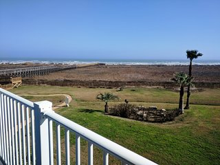 Beachfront, Paddle Boards, Kids' Toys, 5 Star View, Private Beach, Family Fun