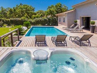 Villa 8 personnes avec piscine chauffee et Spa