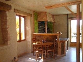 Loft village Bati ancien, commerces parc naturel Quercy,truffe noire, plein air