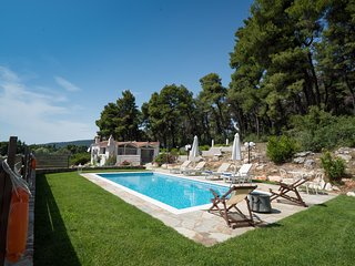 Villa PineTrees by Kardous Skopelos Villas, for pure Greek summer feeling !