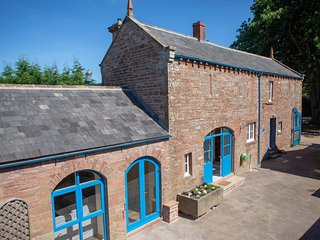 Garth Cottage Luxury 3 Bedroom. Set in the grounds of an 1830's Manor House
