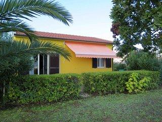 2 bedroom Villa in Vigne Vecchie, Tuscany, Italy : ref 5646799