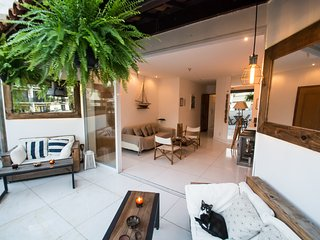 Bright and spacious living areas