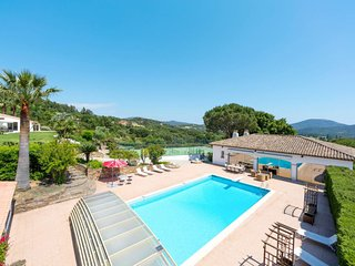 5 bedroom Villa in Valauris, Provence-Alpes-Cote d'Azur, France : ref 5646470