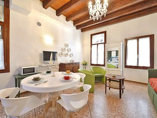 2 bedroom Apartment in Sestiere di San Polo, Veneto, Italy : ref 5646780