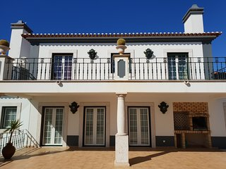 Stunning Luxury Villa In a Peaceful Portuguese Village, near Beaches and Lisbon