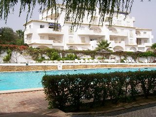 Q5 LUZ OCEAN CLUB Superb 2 bed apartment:incredible views & Ocean club facilitie