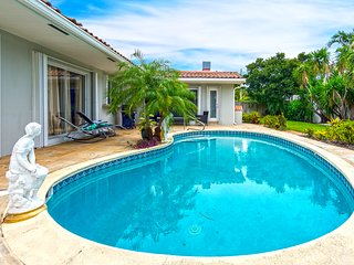 Gorgeous 3BR Getaway Haven w Pool, 12mins to beach!