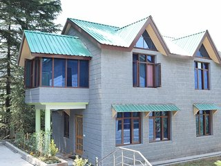 Naggar Heritage cottages - Double Room with Garden View