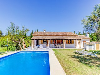 Catalunya Casas: Idyllic Villa Elodie up to 8 guests, just 5km to the beach!
