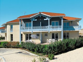 4 bedroom Apartment in Biscarrosse-Plage, Nouvelle-Aquitaine, France : ref 56464