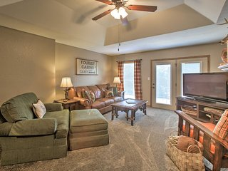 Branson Area Condo w/ Pool & Fishing Lake Access!