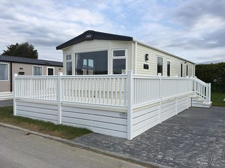 Brand New, 2018 model, Luxury 3 Bed Caravan at Flamingo Land Resort