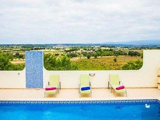 **NEW*** 4 Bedroom Villa with Private Pool in Meia Praia ***Casa Monchique***