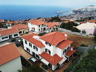 Villa Dragoeiro - Spacious, with panoramic views over the sea and mountains