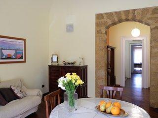 La Casa di tufo - appartamento d'epoca di 100 mq in centro città a Palermo