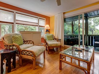 Cheerful condo w/ enclosed porch, shared pool & Cape Cod Bay across the road!