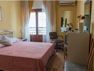 Cosy 4 bedroom with Air Conditioning in the heart of Madrid