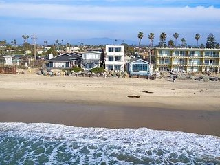 Ocean Front 2 bed, 2 bath 30+ Day rental