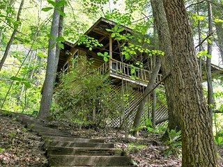 Torrent Falls - Climber's Cabin