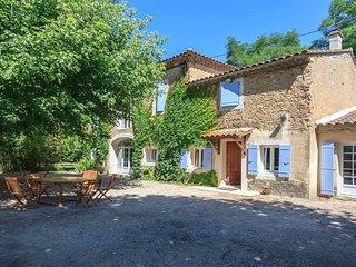 Mas de charme provencal - piscine 5x10, pool house, terrain clos de 3500 m2