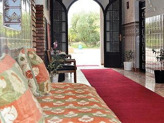 The Villa Qodwa is opposite the Riad Qodwa, equipped with 6 rooms equipped with
