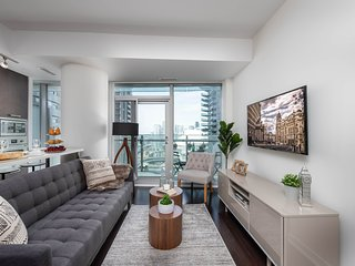 Elusive 2 BR + 2 WR by ACC, CN Tower and Rogers Centre