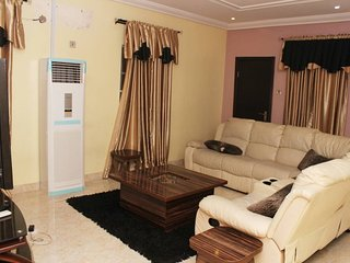 Unique One Apartment - 3 Bedroom Apartment in Magodo Phase 1