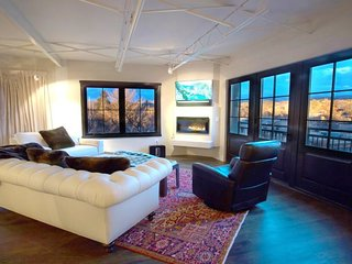 The Lincoln 501-2 Bed, 2.5 Bath Luxury Penthouse_Fragrance/Allergen Free