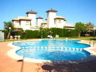 Costa Blanca South - 3 Bed House / Wi-Fi / Air Con / Communal Pool - Cabo Roig