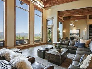 Mountain Top Luxury Villa - FREE Activities/Resort Discounts/Hot Tub/Great Views