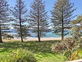 39 Wilson Ave Dicky Beach QLD