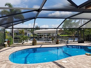 Canal-Front 2BR/2.5BA in Matlacha Isles w/ Private Dock & Screened Pool