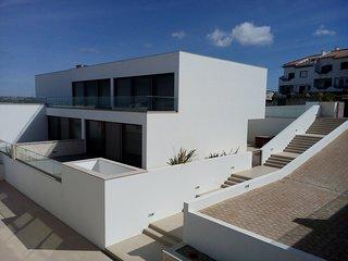 Villa G-Modern Design House with Ocean and beach views at Praia da Areia Branca
